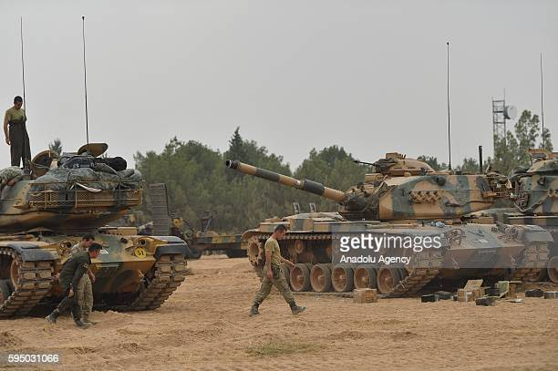 Turkish military tanks are seen at the Karkamis district of Turkey's Gaziantep during the Operation Euphrates Shield on August 25 2016 The antiDaesh...