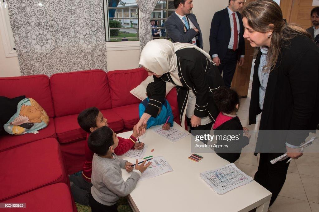 Turkish Minister of Family and Social Policies Kaya in Morocco : Fotografía de noticias