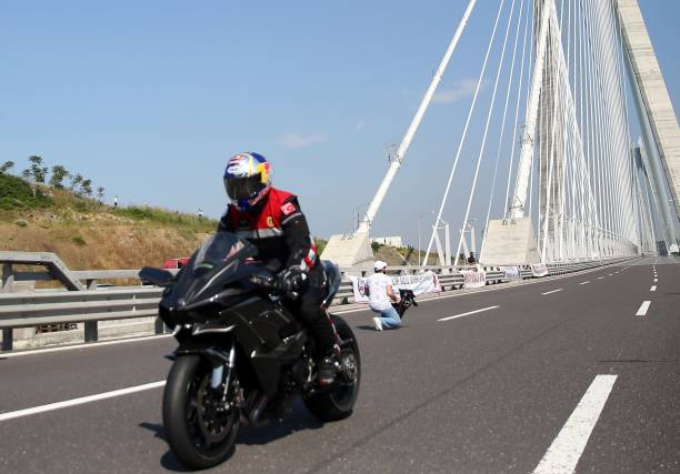 Turkish Racer Sofuoglu Breaks The Speed Record Of Yavuz Sultan Selim Bridge