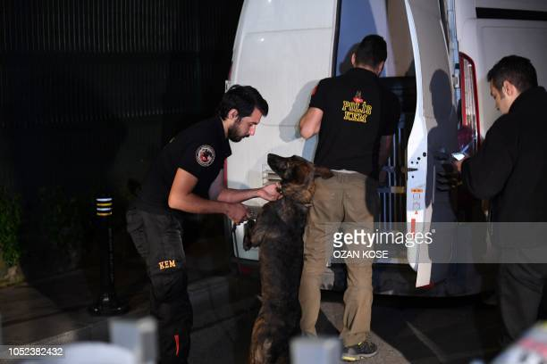 Turkish police forensic experts arrive at the Saudi Arabia's consulate in Istanbul, on October 17, 2018. - According to local media reports, Saudi...