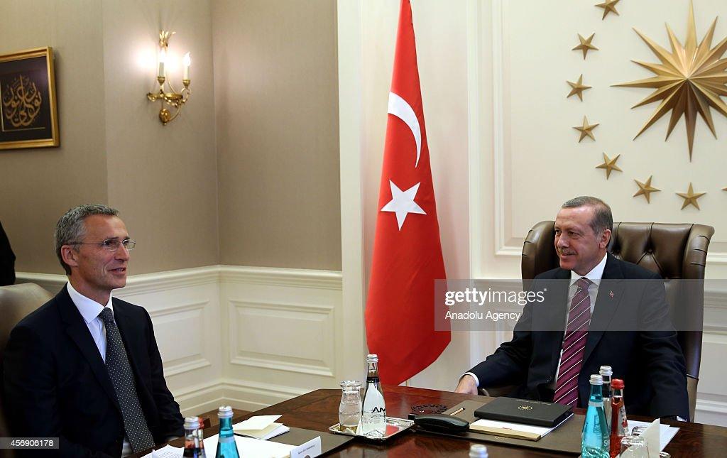Recep Tayyip Erdogan meets Jens Stoltenberg at Cankaya Presidential Palace : ニュース写真