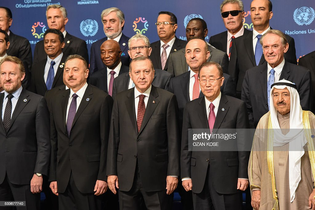 Turkish President Tayyip Erdogan (C) and U.N. Secretary-General Ban Ki-moon (2nd R) pose with leaders and representatives of the parcitipant countries on May 23, 2016 during the World Humanitarian Summit family photo session in Istanbul. The over 60 heads of state and government gathered for the two-day summit convened by UN Secretary General Ban Ki-moon will have to defeat considerable scepticism that the event will turn into a well-intentioned but fruitless talking shop. KOSE