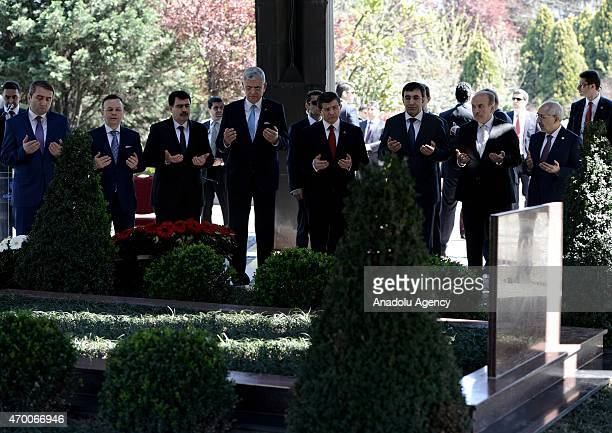 Turkish Prime Minister Ahmet Davutoglu , EU Minister Volkan Bozkir , Development Minister Cevdet Yilmaz , Istanbuls mayor Kadir Topbas and Istanbul...