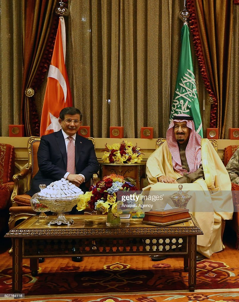 Turkish PM Ahmet Davutoglu in Saudi Arabia : News Photo
