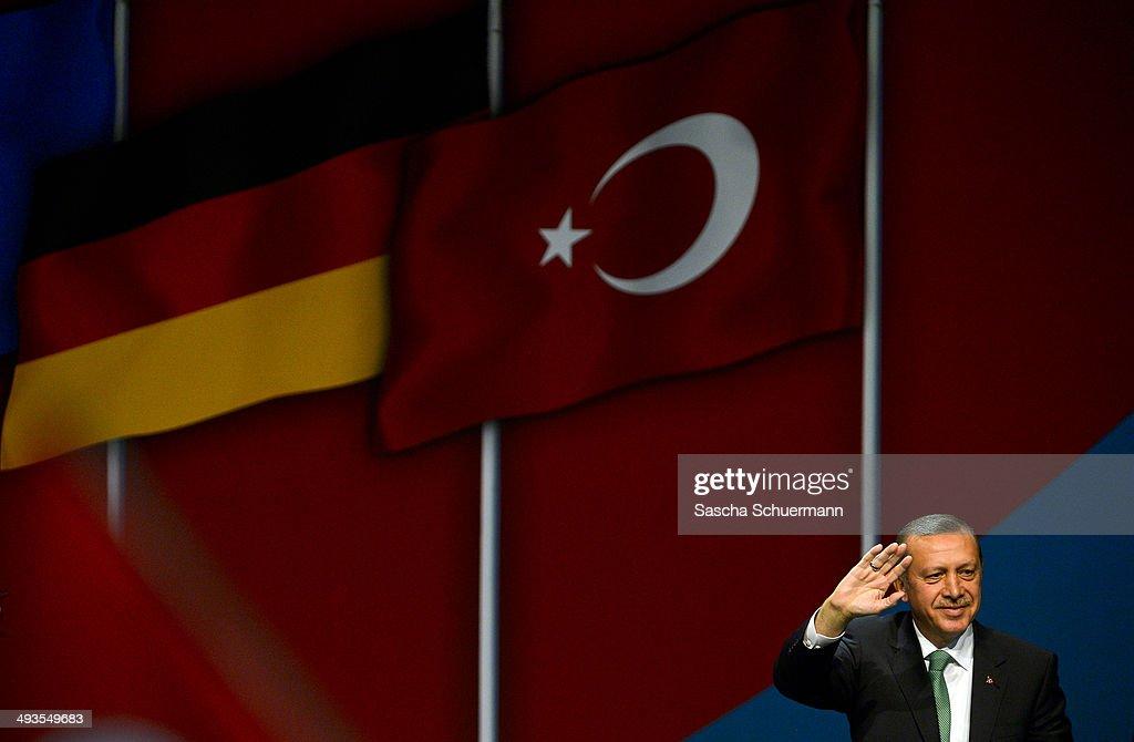 Erdogan Speaks At UETD Anniversary In Cologne : Nachrichtenfoto