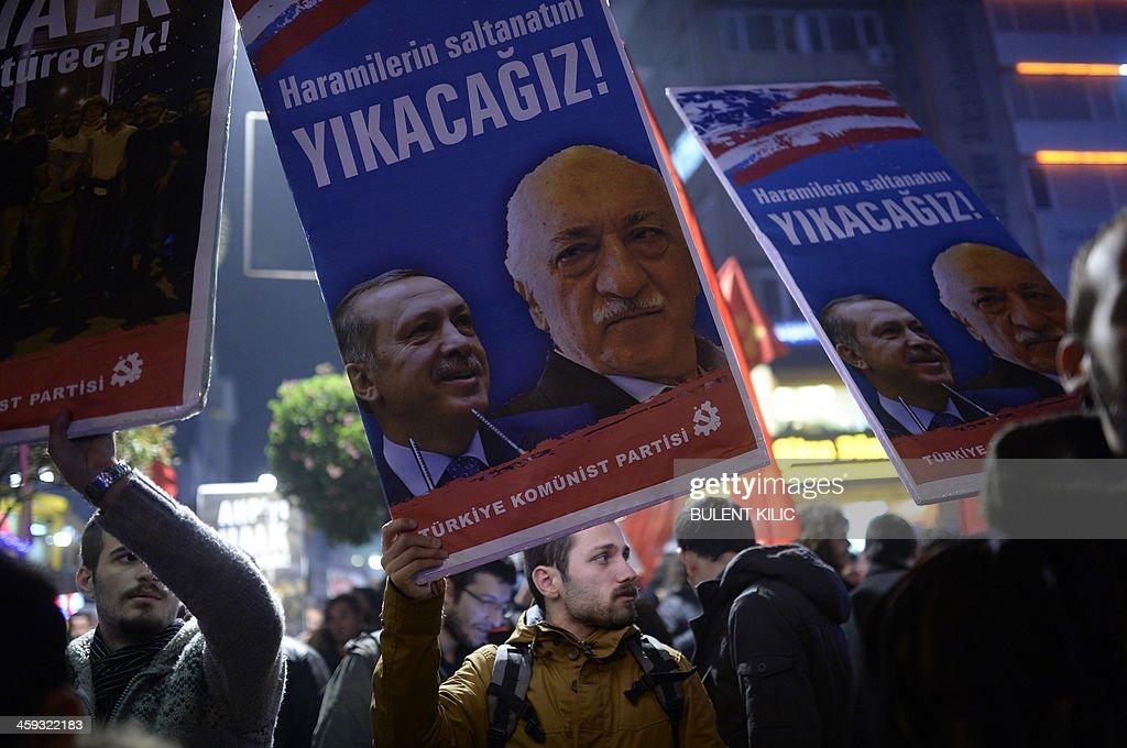TURKEY-POLITICS-CORRUPTION-PROBE-DEMO : News Photo