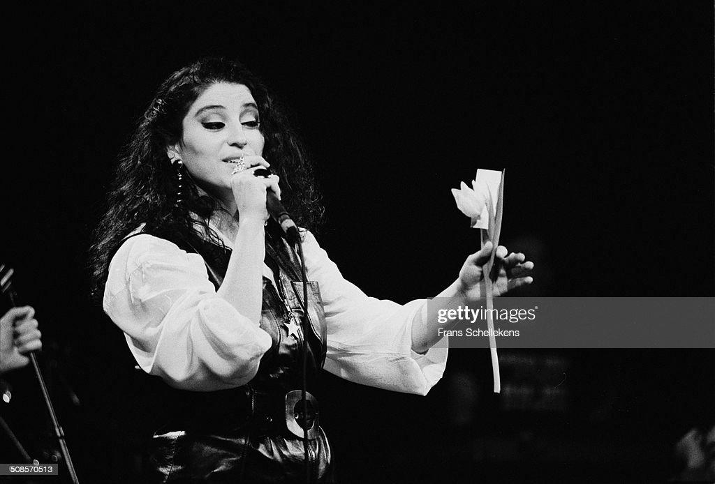 Askin Nur Yengi 1992 : Nieuwsfoto's