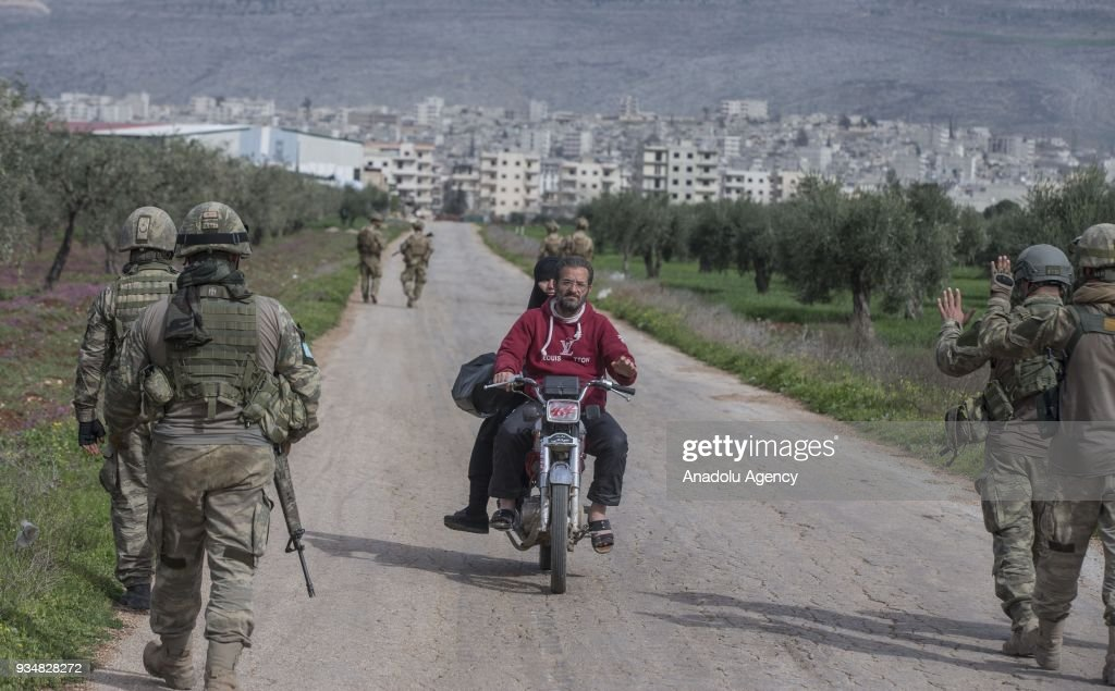 ¤ V2018 ¤ Topic officiel Turkish-soldiers-in-town-center-after-turkish-armed-forces-and-free-picture-id934828272