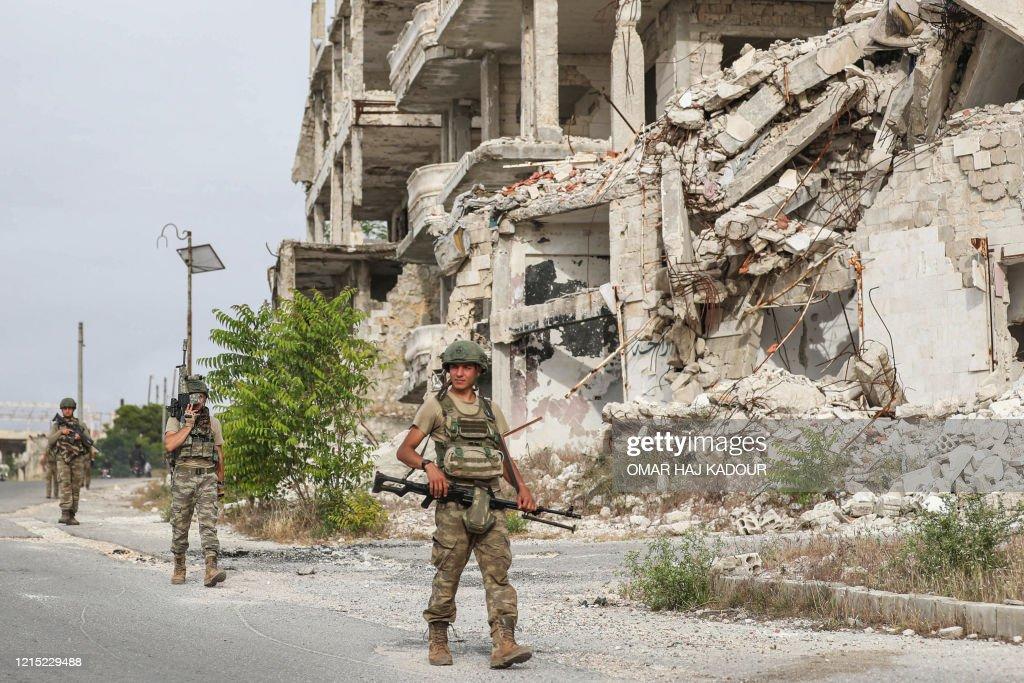 SYRIA-CONFLICT-IDLIB-TURKEY : News Photo