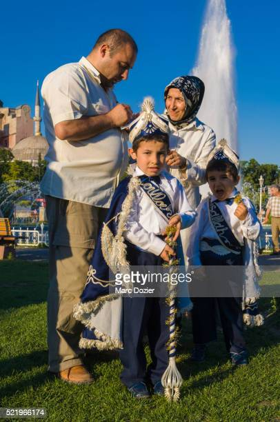 turkish visitors in front of aya sofya - circumcision stock pictures, royalty-free photos & images