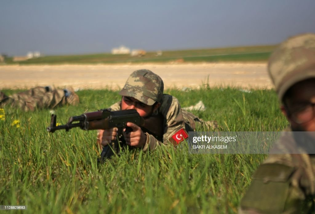 TOPSHOT-SYRIA-CONFLICT-TURKEY : News Photo