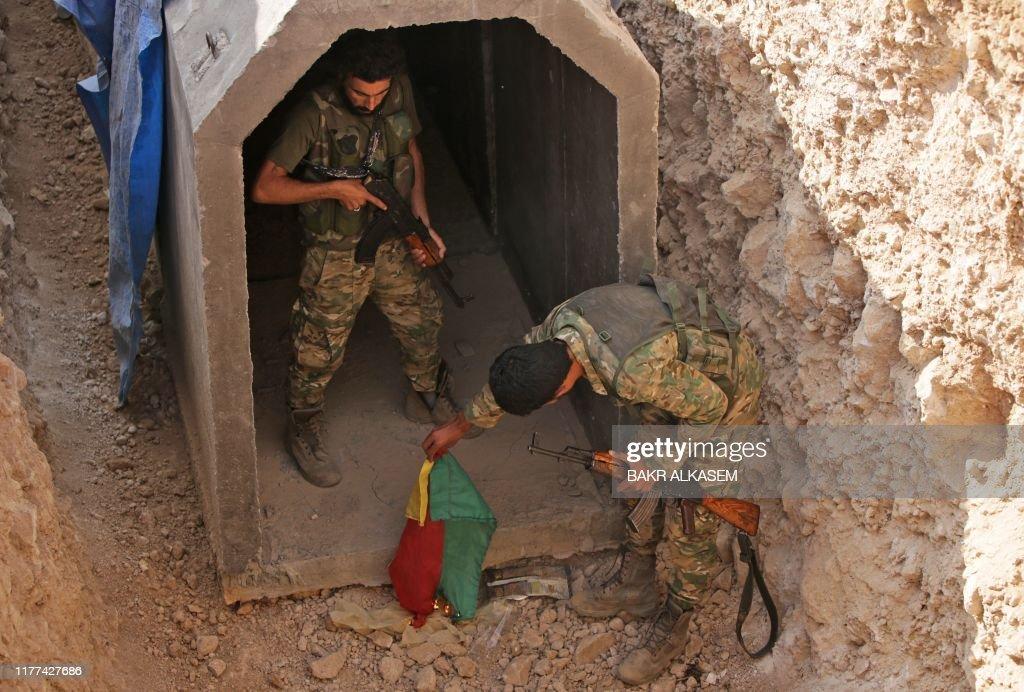 TOPSHOT-SYRIA-CONFLICT-TURKEY-KURDS : News Photo