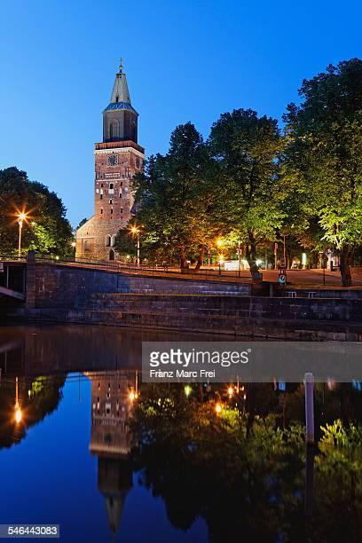 turku, aurajoki river and catedral - トゥルク ストックフォトと画像