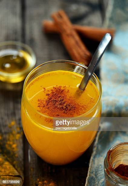 Turmeric, honey and cinnamon hot drink