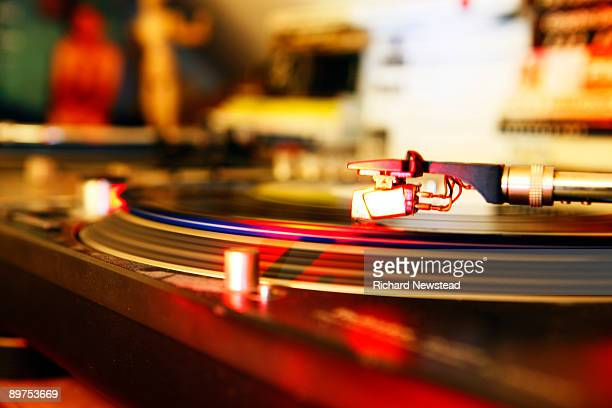 dj turntable - deck stock pictures, royalty-free photos & images