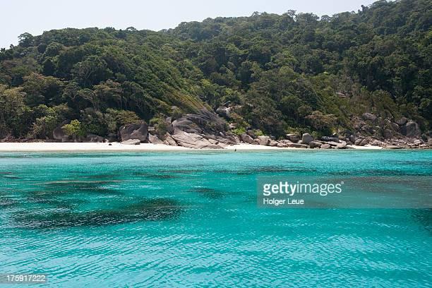 Turqoise water at Ko Similan island