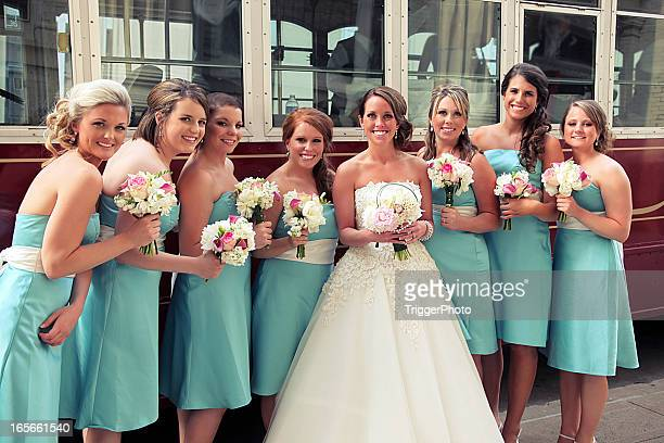 turquoise wedding portraits - bridesmaid stock pictures, royalty-free photos & images