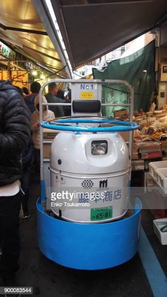 Turret Truck at Tsukiji Outer Market