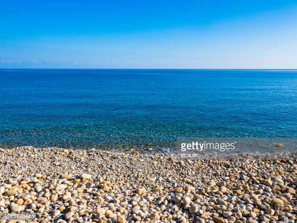 tusa beach - mer tyrrhénienne photos et images de collection