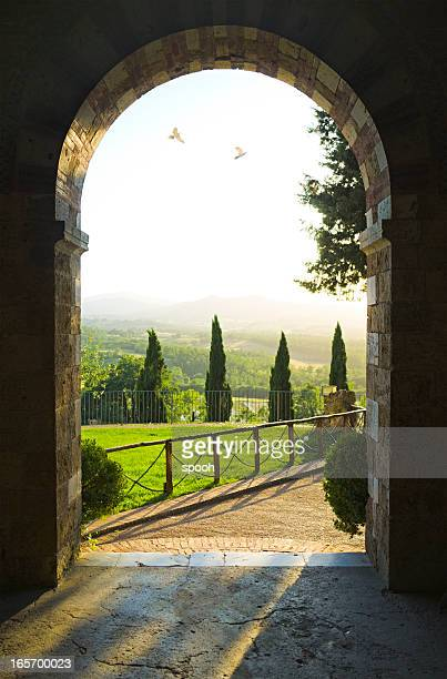 tuscan scene - arch stock pictures, royalty-free photos & images