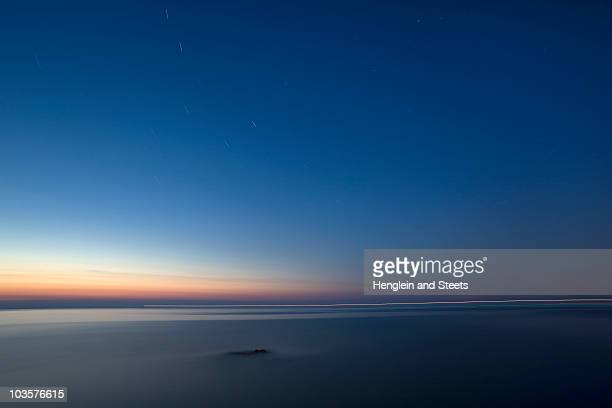 tuscan sea at dusk - dusk stock pictures, royalty-free photos & images