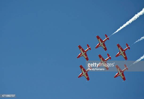 tutor formation - canadian forces snowbirds stock pictures, royalty-free photos & images