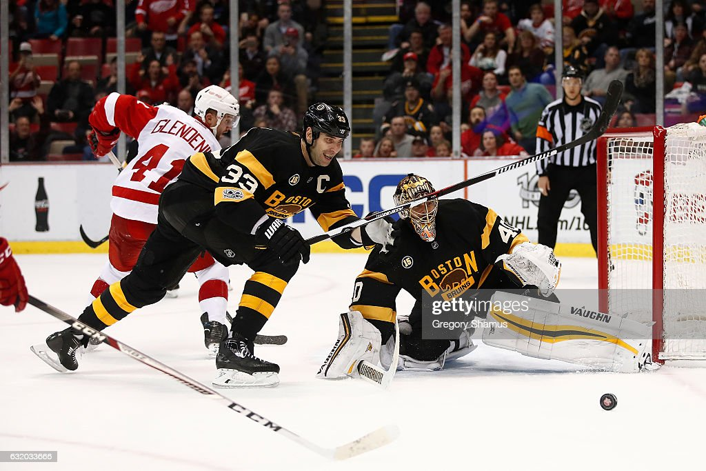 Boston Bruins v Detroit Red Wings : News Photo