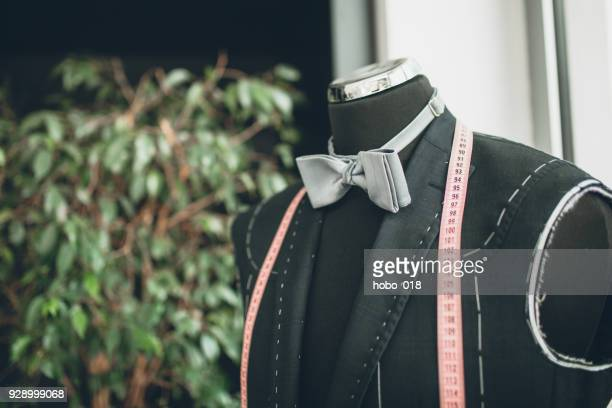 tuxedo and bow tie on the mannequin - headless man stock pictures, royalty-free photos & images