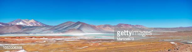 lago de tuyajto, na cordilheira dos andes, perto de san pedro de atacama - chile - fotografias e filmes do acervo