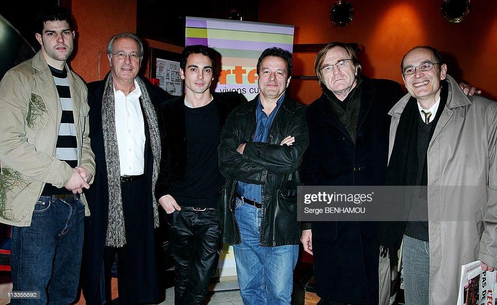 Tv movie projection 'Vive la bombe' at Club de l'Etoile In Paris, France On March 08, 2007. : Photo d'actualité