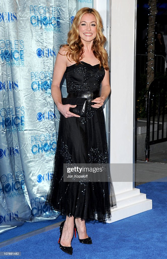 Tv Personality Cat Deeley arrives at the 2011 People's Choice Awards at Nokia Theatre L.A. Live on January 5, 2011 in Los Angeles, California.