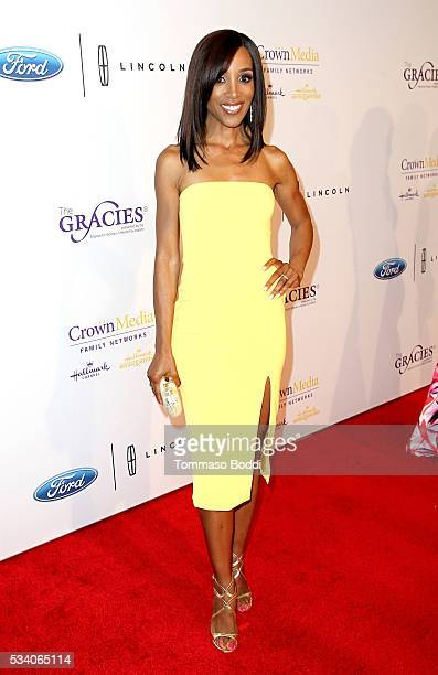 Tv personality Shaun Robinson attends the 41st Annual Gracie Awards at Regent Beverly Wilshire Hotel on May 24 2016 in Beverly Hills California