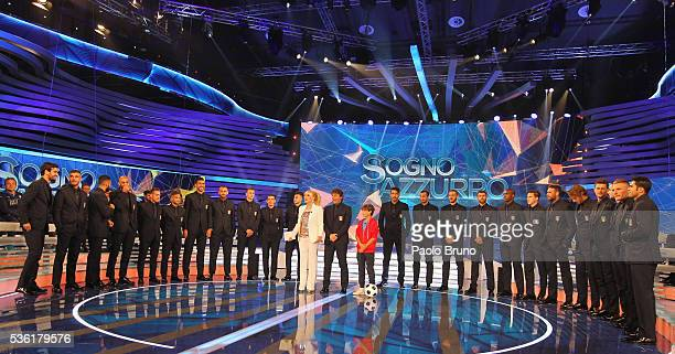 Tv presenter Antonella Clerici and Italy team pose during the 'Sogno Azzurro' TV programme at Auditorium del Foro Italico on May 31 2016 in Rome Italy