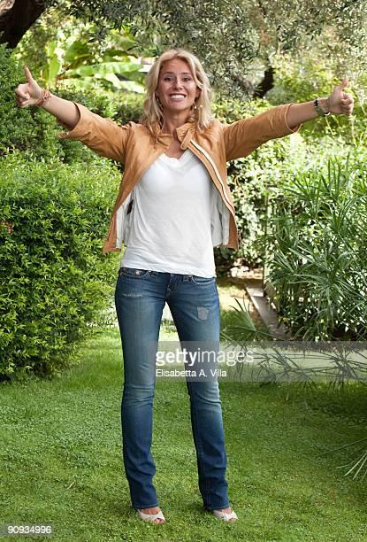 """Tv presenter Ingrid Muccitelli attends """"Mattina In Famiglia"""" photocall at RAI Viale Mazzini on September 18, 2009 in Rome, Italy."""