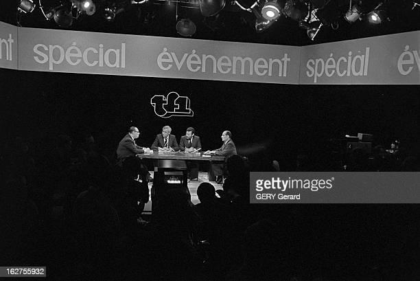 Tv Programme 'Special Evenement' Face To Face Raymond Barre Francois Mitterrand Le 13 mai 1977 sur la première chaîne de télévision française le...