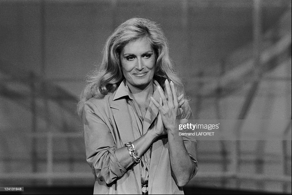 "Tv Show ""A Tout Coeur"" In France On October 05, 1982. : News Photo"