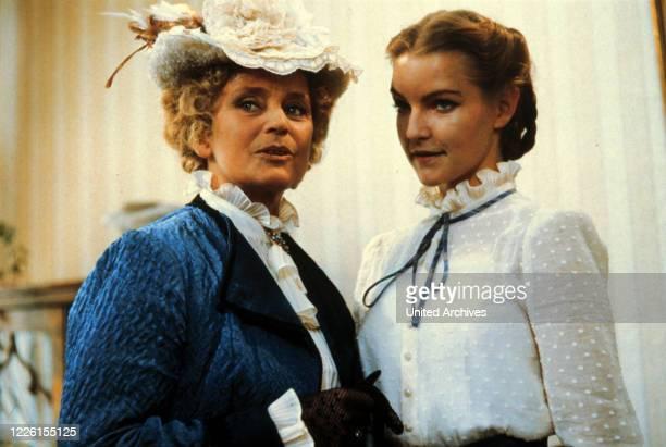 Film 1982 - Franz Josef Wild Corinna entlockt Leopold Treibel geschickt eine Liebeserklärung und verlobt sich mit ihm. Frau Jenny ist außer sich......