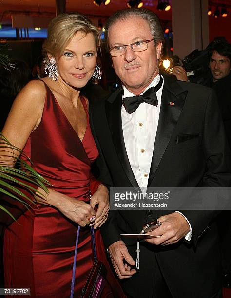 TVhostess Nina Ruge and her husband Wolfgang Reitzle CEO of German gases and forklift maker Linde AG arrives at the 2007 Sports Gala Ball des Sports...