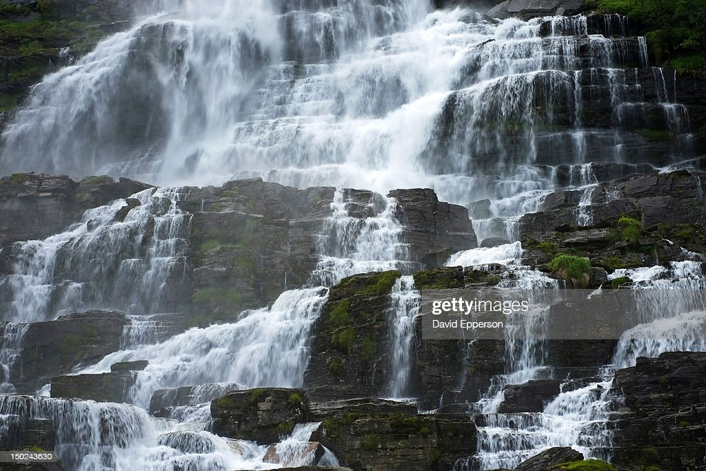 Tvinnefossen Waterfall near Voss, Norway : Foto de stock
