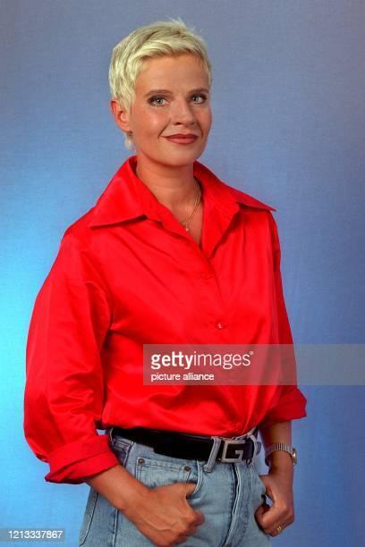 """Moderatorin, aufg. Am 1.9.1997 auf der Internationalen Funkausstellung in Berlin. Derzeit ist Milena Preradovic noch mit Dieter Kronzucker in """"SPOT -..."""