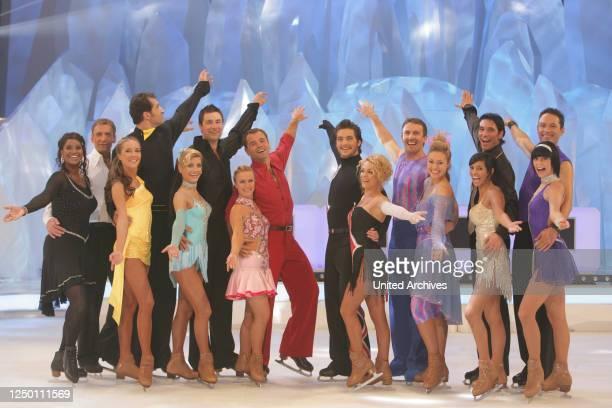 """Show """"Dancing on Ice"""" - 1. Live-Show der Eiskunstlaufshow - Finale der Teilnehmer: Liz Baffoe mit Hendryk Schamberger, Lars Riedel mit Darya Nucci,..."""