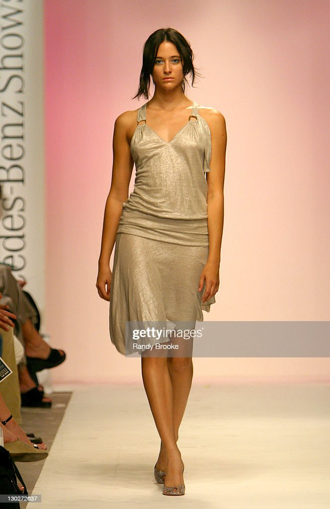 8be1f1003ec Twelfth Street by Cynthia Vincent Spring Collection 2004 News Photo ...