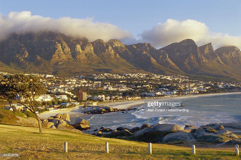 Twelve Apostles, Camps Bay, South Africa. : Foto de stock