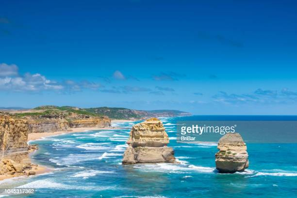 zwölf apostel, great ocean road, victoria, south australia - pinnacle rock formation stock-fotos und bilder
