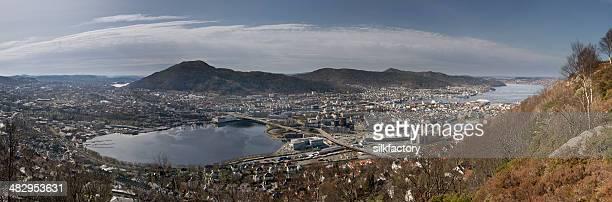 Zwölf gestickte Bilder erstellen Panoramablick auf den Bergen, Norwegen