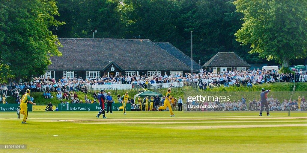 Twenty 20 Cricket PCA Master v Australia at Arundel 2005 : ニュース写真
