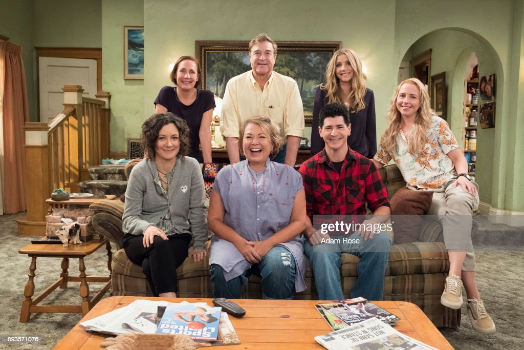 "ABC's ""Roseanne"" : News Photo"