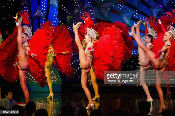 Twentyyearold dancer Morgan Kenny performs on stage at the Moulin Rouge on September 13 2011 in Paris France Morgan Kenny of Australia the daughter...