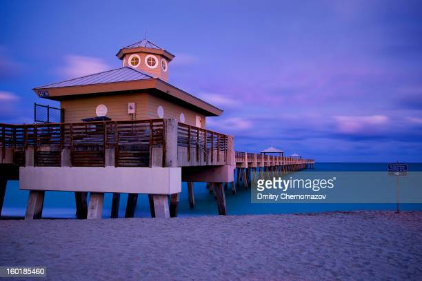 CONTENT] Twilight at Juno Beach Fishing Pier