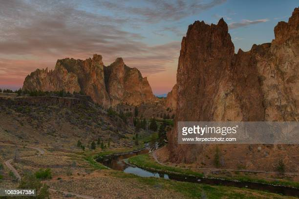 twilight at smith rock 06 - smith rock state park stock pictures, royalty-free photos & images
